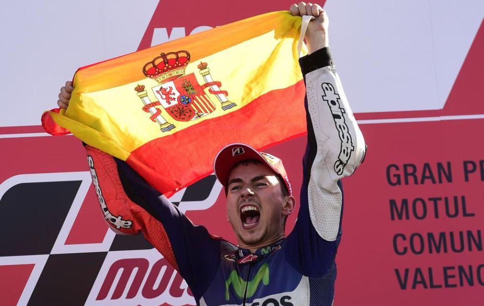 Jorge Lorenzo, con la bandera de Espa�a