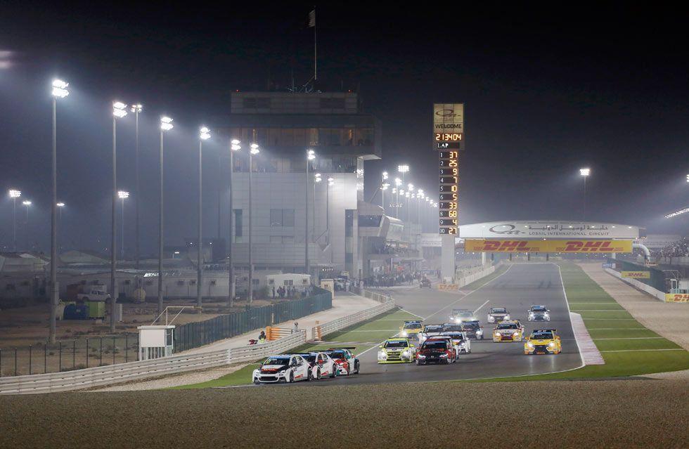La de 2015 ha sido la primera carrera nocturna en la historia del WTCC.