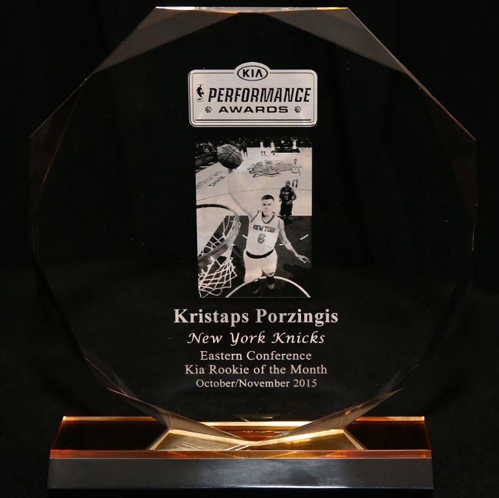 Trofeo de novato del mes de Porzingis