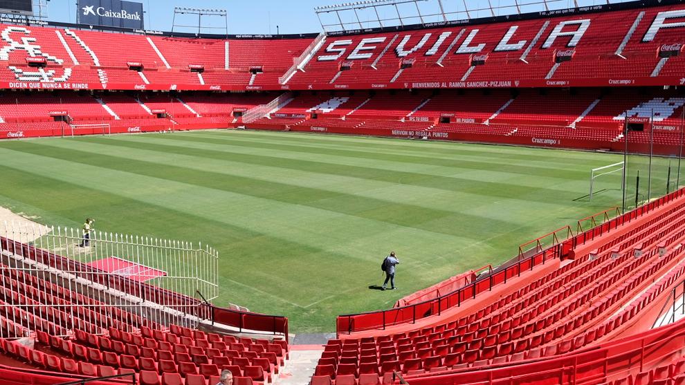 Construcción  1958  Aforo  45.500 espectadores  Dimensiones  105 x 68   Dirección  Calle Sevilla Fútbol Club 6fe8c89eebed3