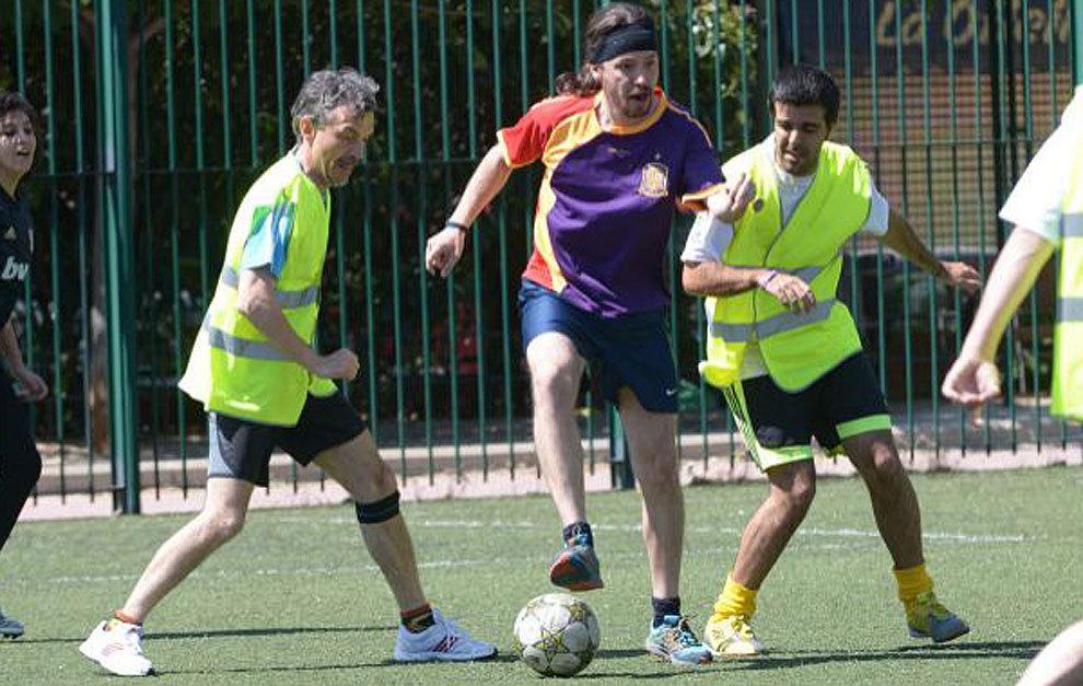 Elecciones Generales 2015 Pablo Iglesias Jugando A Futbol Marca Com