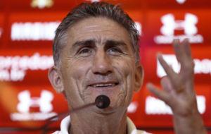 Edgardo Bauza, durante su presentación como entrenador del Sao Paulo.