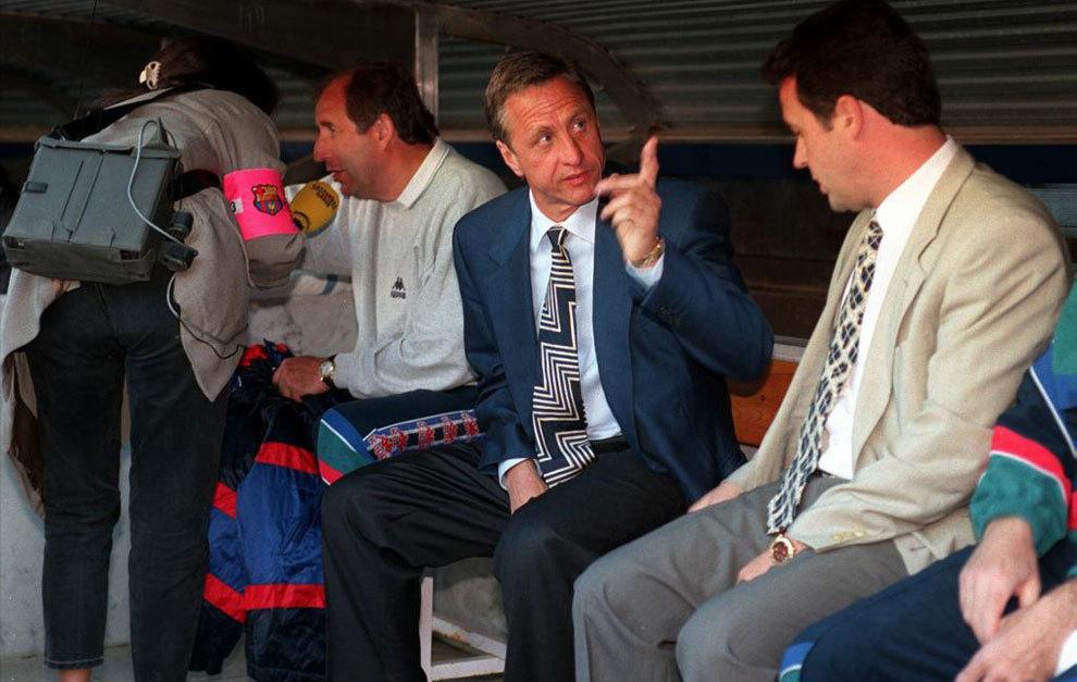 Último partido de Cruyff en el banquillo del Barça, ante el Sevilla...