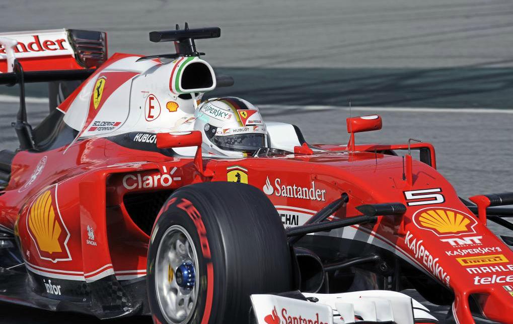 Sebastian Vettel en la segunda jornada de los primeros test de...