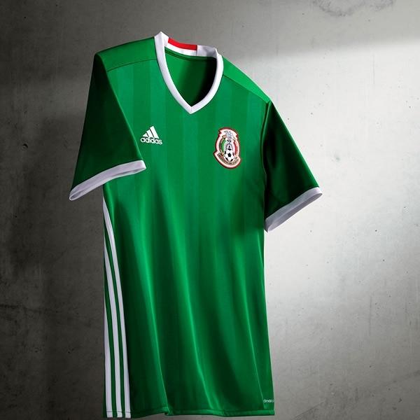 b8eba2c53e09d La nueva camiseta de la selección mexicana.
