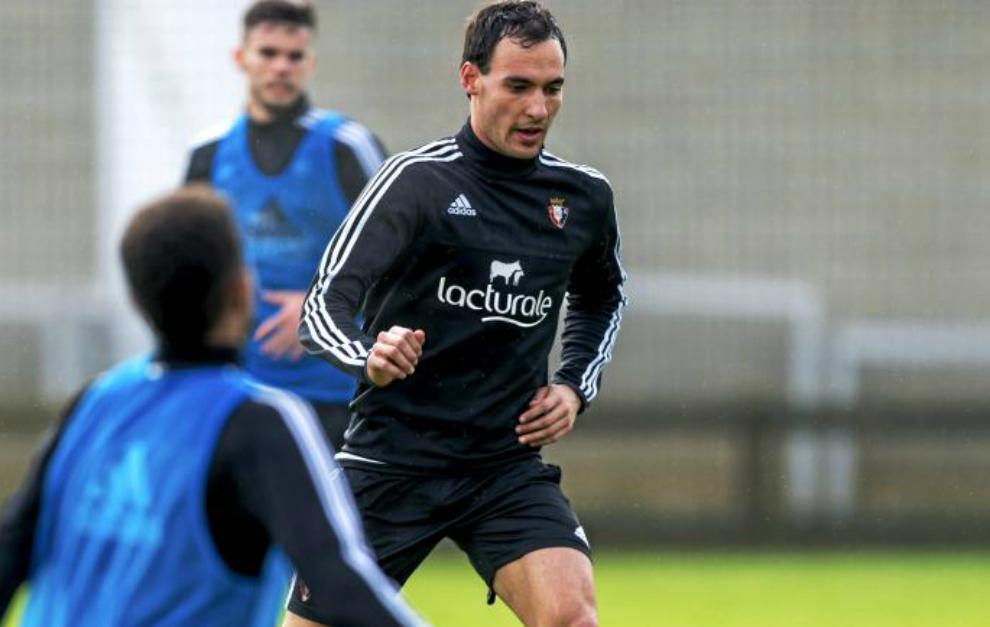 Unai García en un entrenamiento en Tajonar.