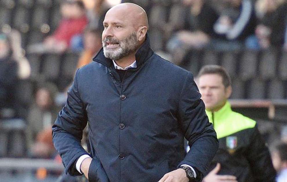 Stefano Colantuono, ahora ex entrenador del Unidese.