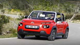 El Citroën Mehari tiene un buen comportamiento gracias a su bajo...