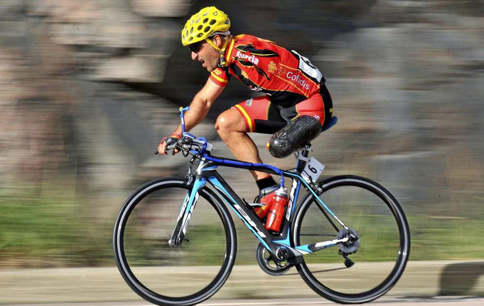 Juanjo Méndez en un Mundial de ciclismo paralímpico en carretera