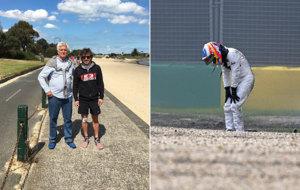 A la izquierda, Alonso se toma una foto con el periodista Roger...