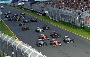Sebastian Vettel adelanta a Hamilton y Rosberg en la salida del GP de...