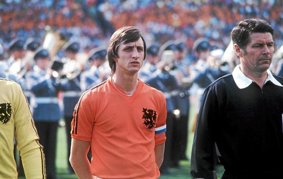 Cruyff, en un partido con la selección holandesa.
