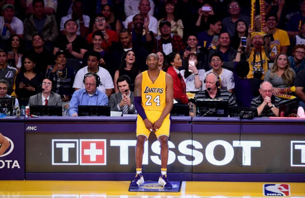 timeless design 32e05 8e3a5 Kobe bryant durante el penúltimo partido de su...   Marca.com