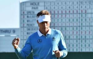 Bernhard celebra su extraordinaria tercera vuelta en el Masters.