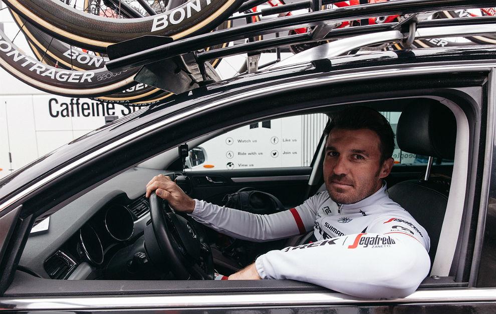 """Yaroslav Popovych """"se entrena"""" en su nuevo puesto en el equipo Trek..."""