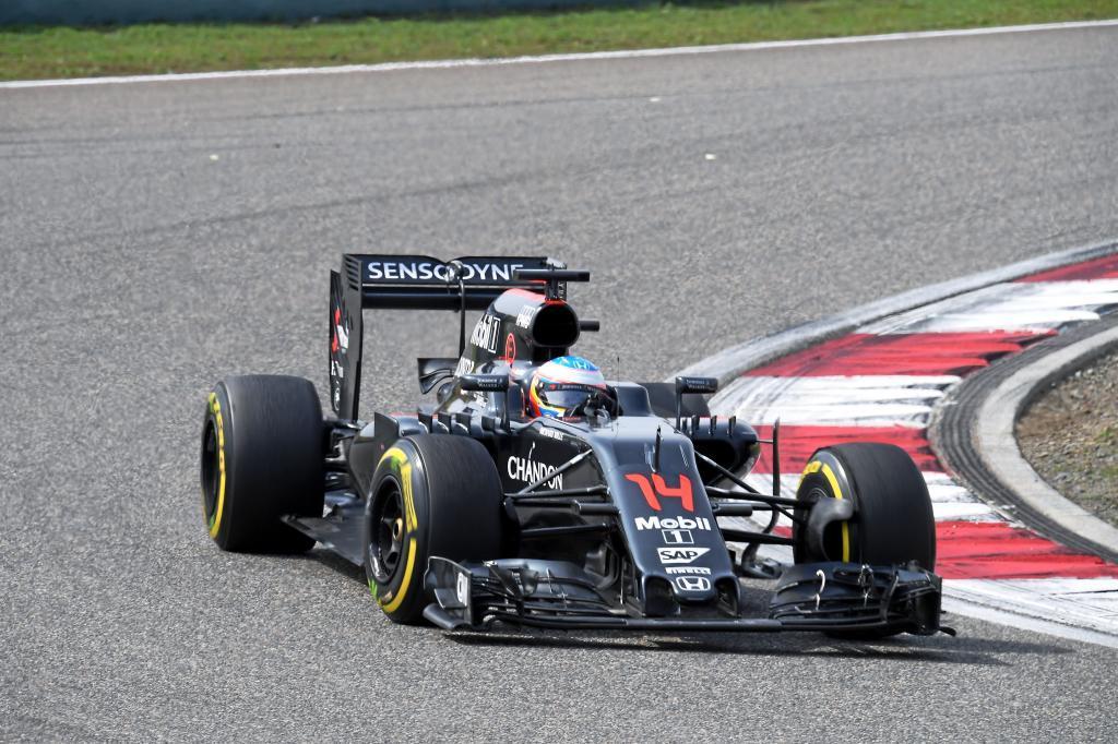 Fernando Alonso (ES) McLaren Honda G.P. de China.