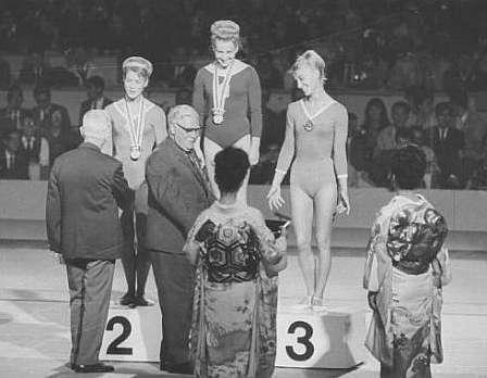 Una asidua del podio, Latynina recoge un oro