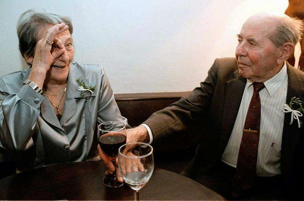 Zatopek y su esposa, en una imagen de 1998