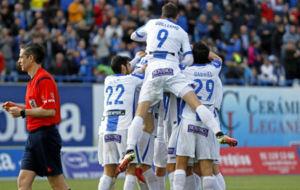 Celebración pepinera en el gol de Omar.