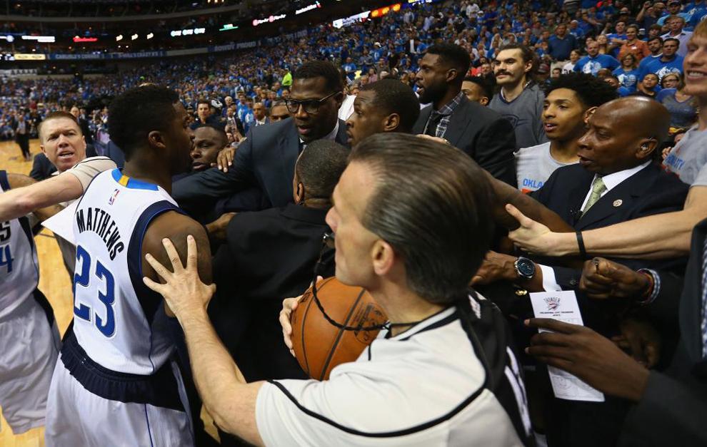 Uno de los incidentes en el Mavericks vs. Thunder