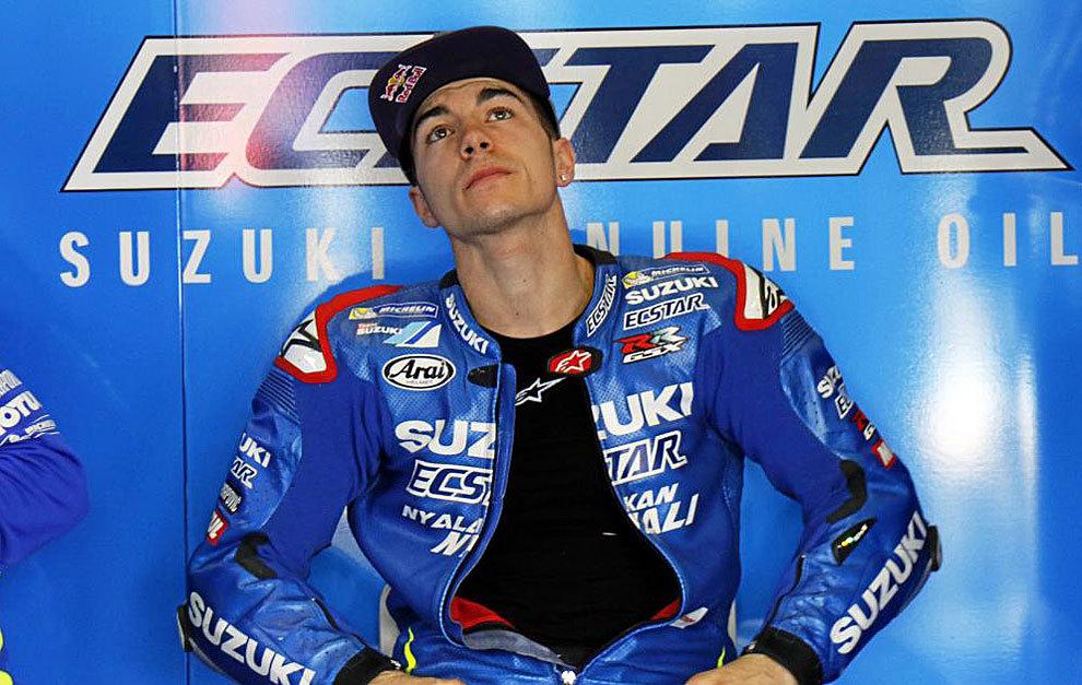 Maverick Viñales, en el box de Suzuki