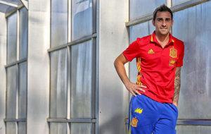 Paco Alc�cer posa en una concentraci�n de la selecci�n espa�ola en...