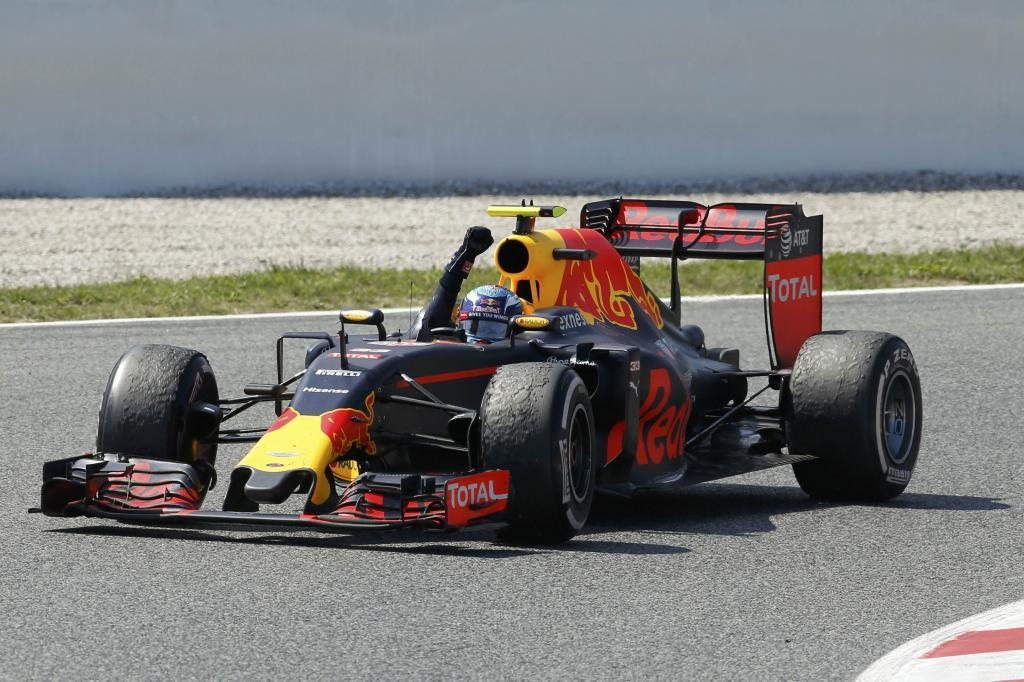 Max Verstappen celebra su victoria en el Red Bull
