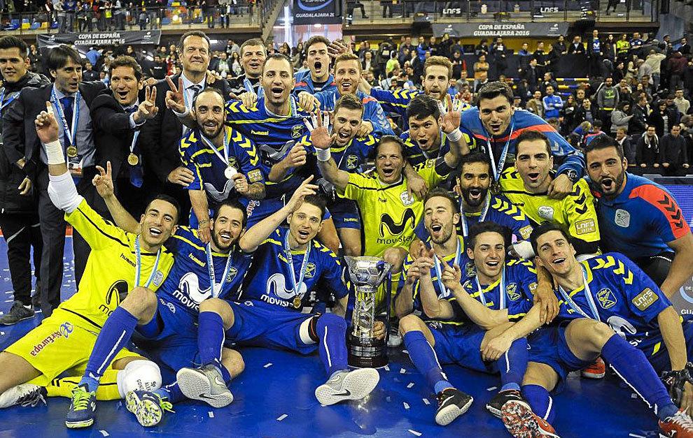 La plantilla del Inter Movistar con la Copa de España.