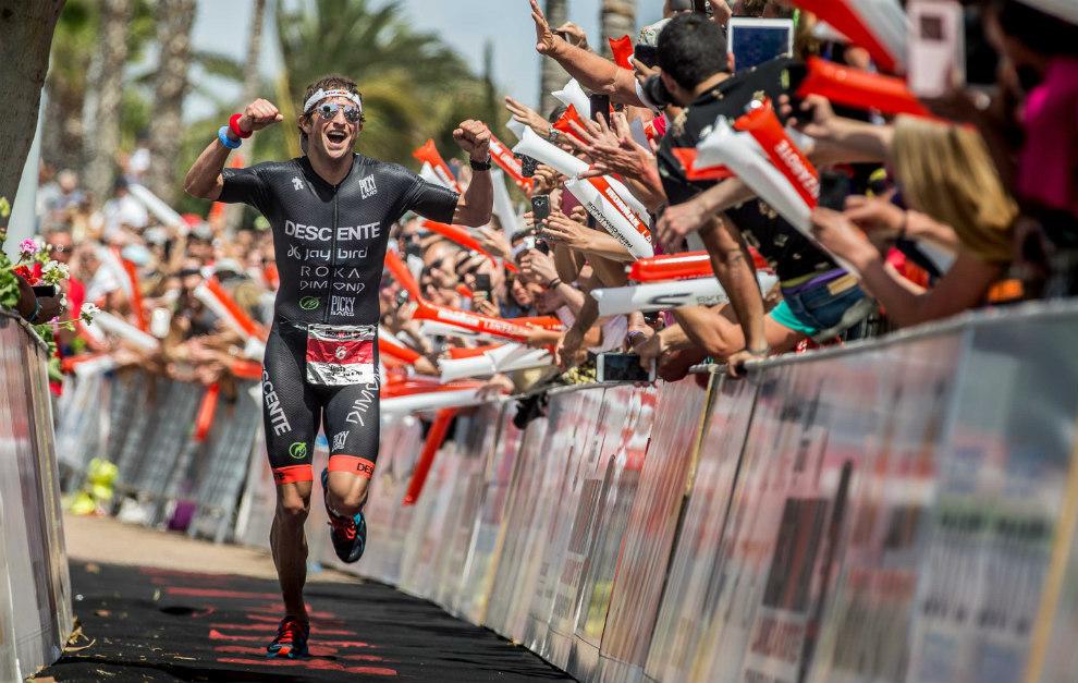 Jesse Thomas recorre los últimos metros del Ironman Lanzarote