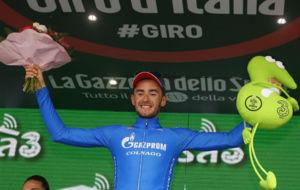 Alexander Foliforov, en el podio como ganador de la 15ª etapa del...