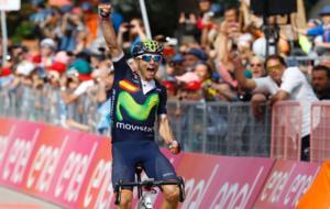 Alejandro Valverde celebró con rabia su triunfo de etapa en el Giro.