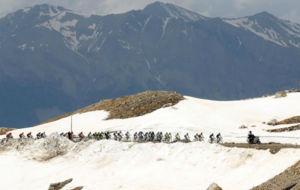 Los Alpes nos volvieron a regalar imágenes impresionantes del Giro de...