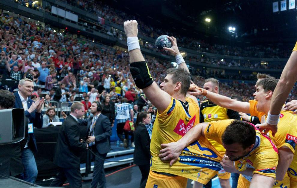 Julen Aginagalde festeja su último gol, que supuso el triunfo del...