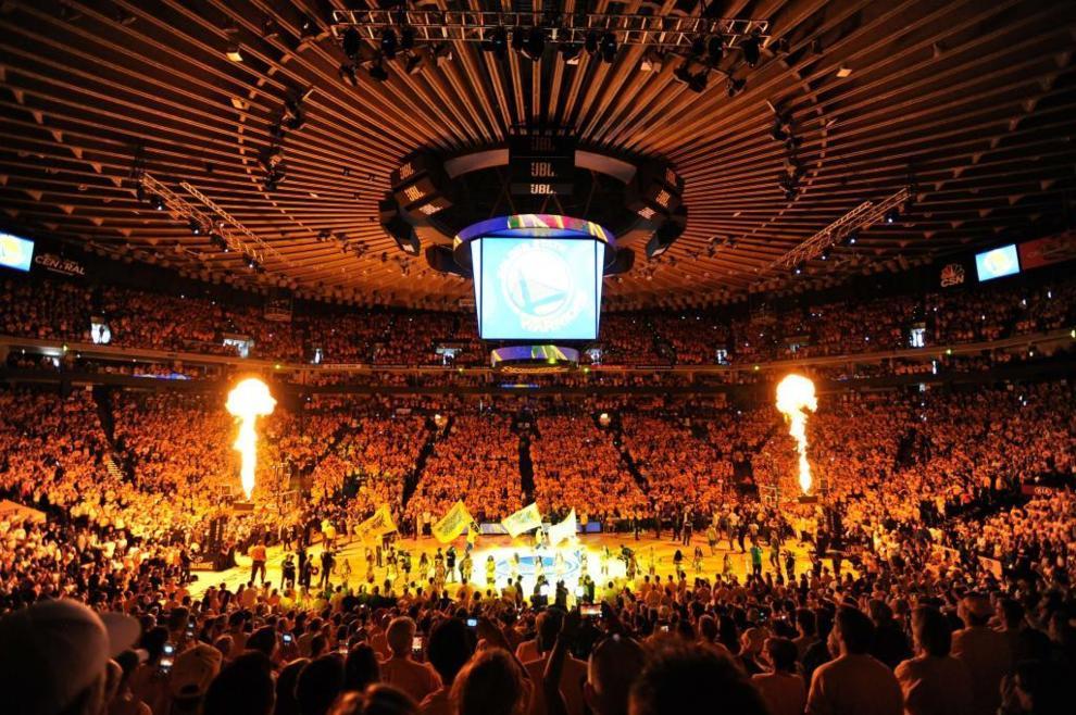 El Oracle Arena celebrando el título del Oeste de los Warriors