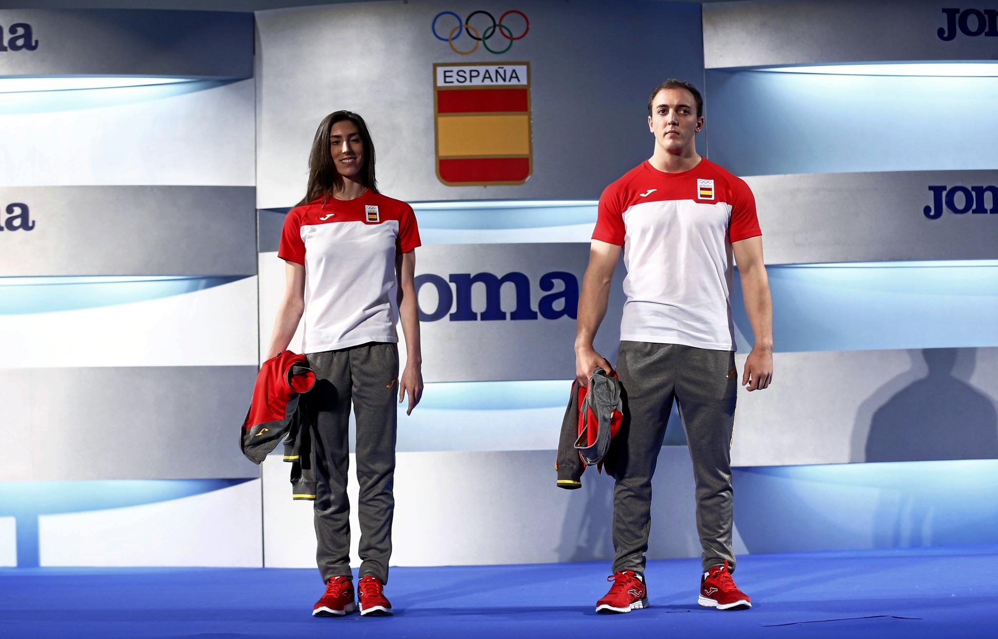 La gimnasta Alejandra Querada y el halterófilo Andrés E. Mata.