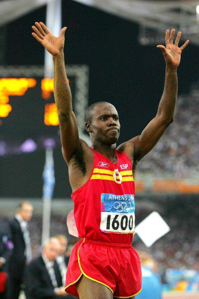 En Atenas, Joan Lino se colgó el bronce en salto de longitud.