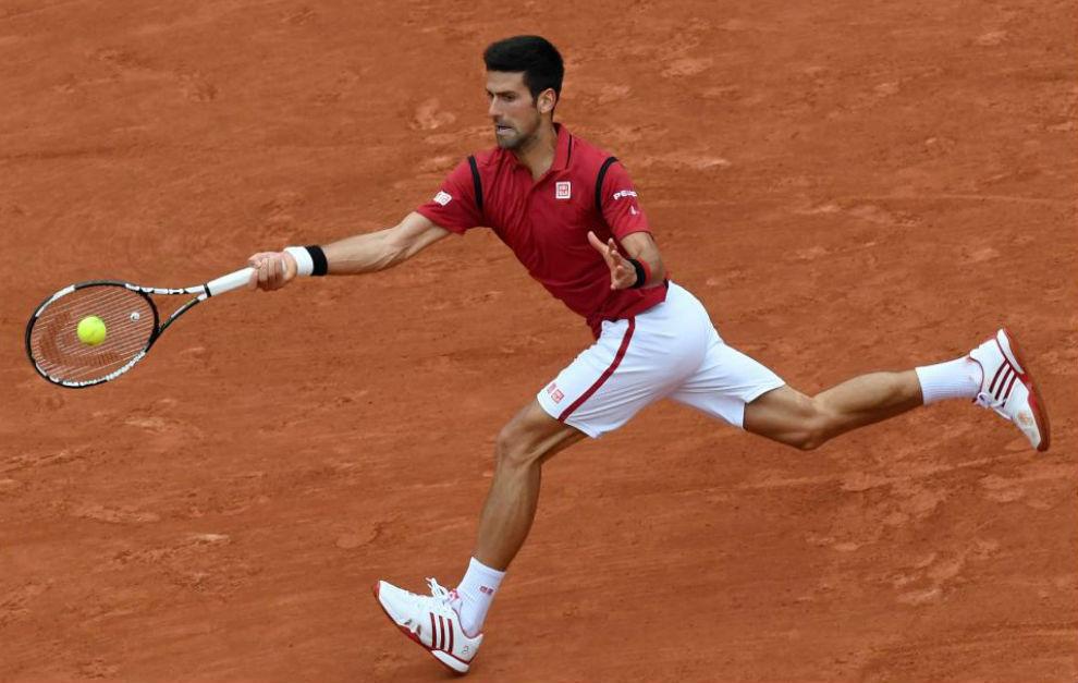 Djokovic pega de derecha