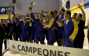 Los jugadores del Barceloneta, celebrando el pasado lunes su undécima...