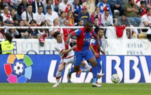 Simao Mate (28), durante un partido con el Levante de la pasada...