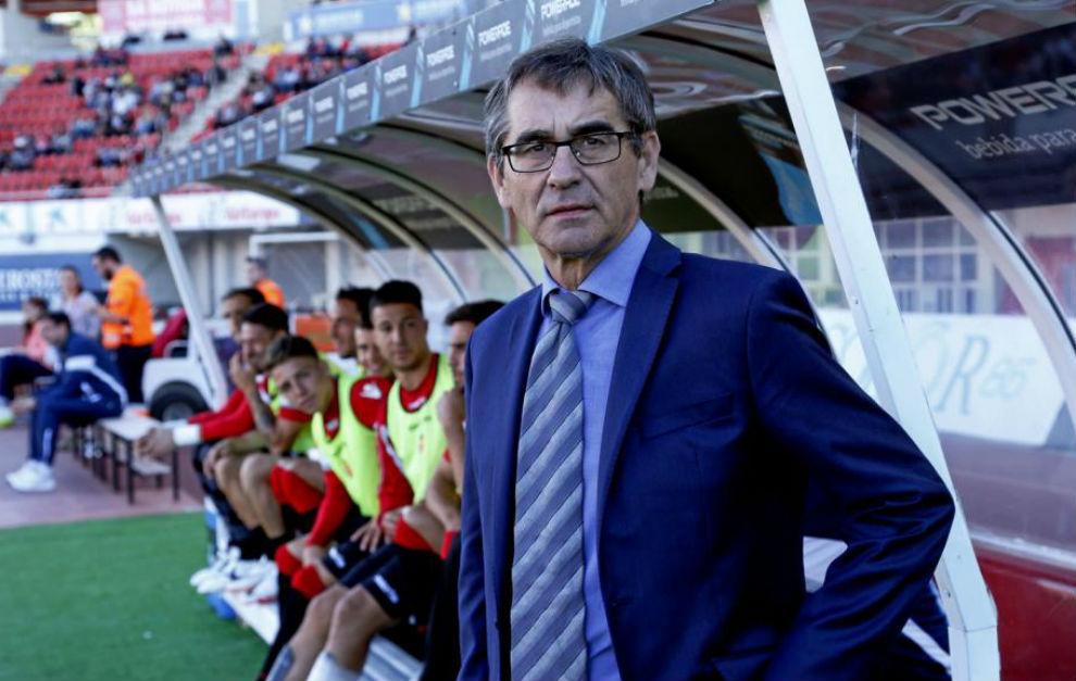 Fernando Vázquez en el banquillo del Mallorca.