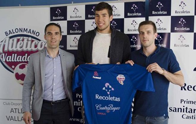 Dani Dujshebaev durante su presentación como nuevo jugador del...