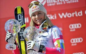 Lindsey Vonn, con los dos Globos de Cristal ganados esta temporada.