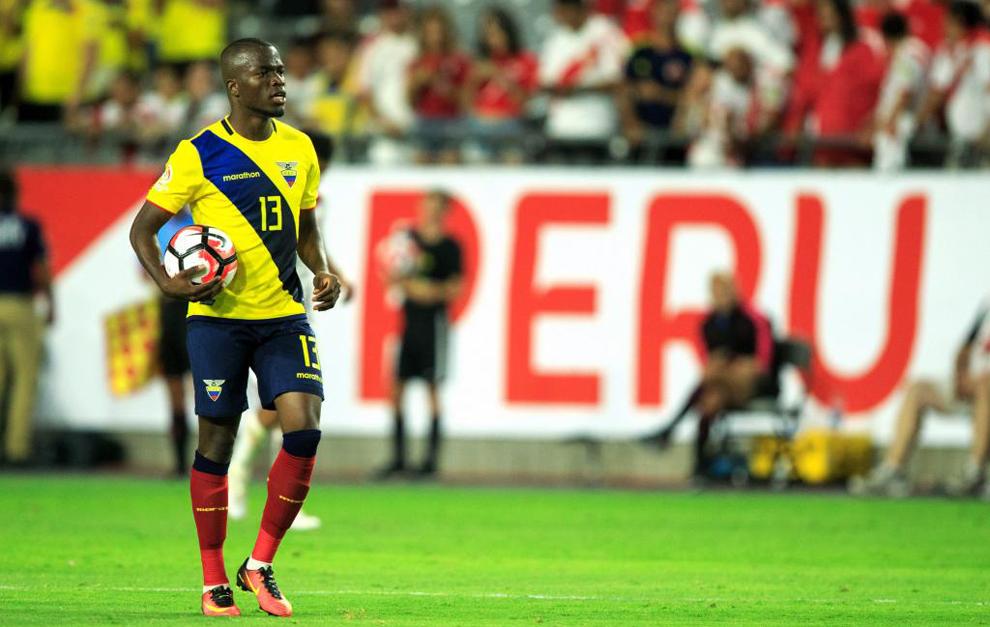 Enner Valencia en el partido ante Perú