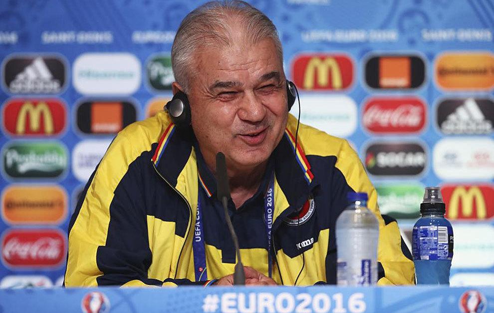 Iordanescu en rueda de prensa este jueves.