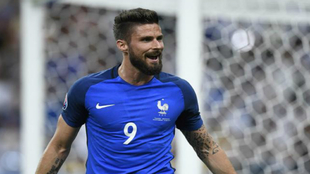 Giroud celebra el primer gol de la Euro.