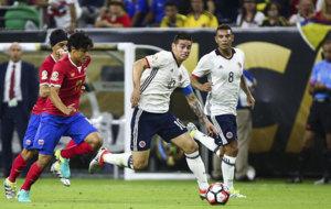 James domina el bal�n durante el choque que Colombia perdi� ante...