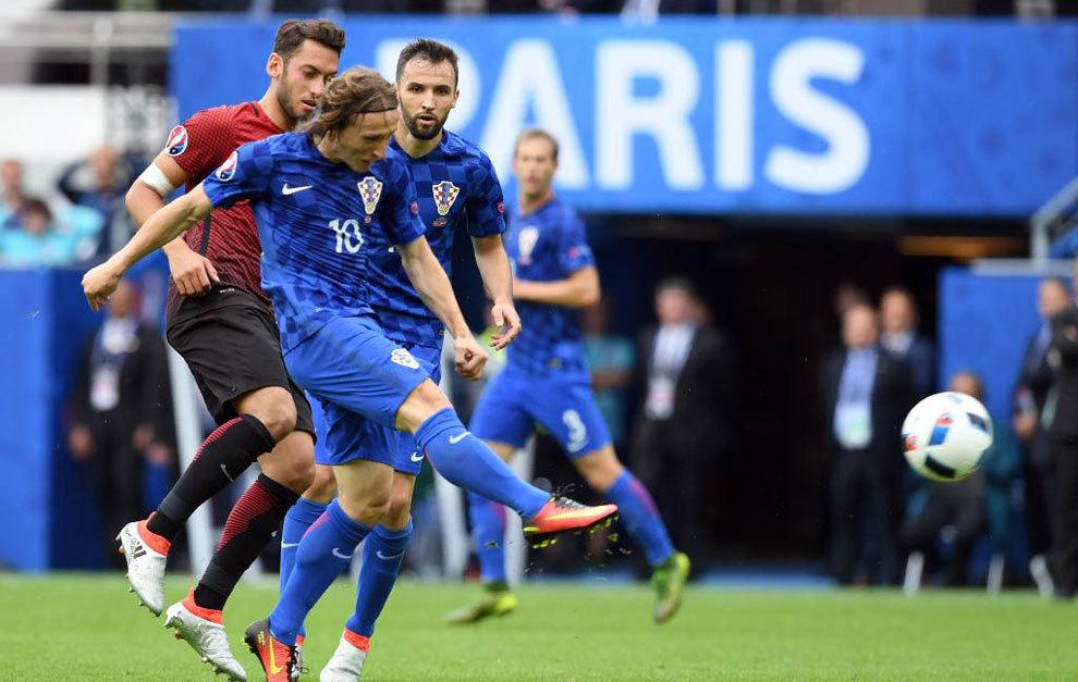 Así enganchó Luka Modric el balón del 0-1 de Croacia.