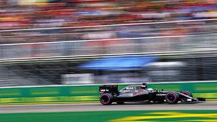 Alonso pilota su McLaren en Montreal.
