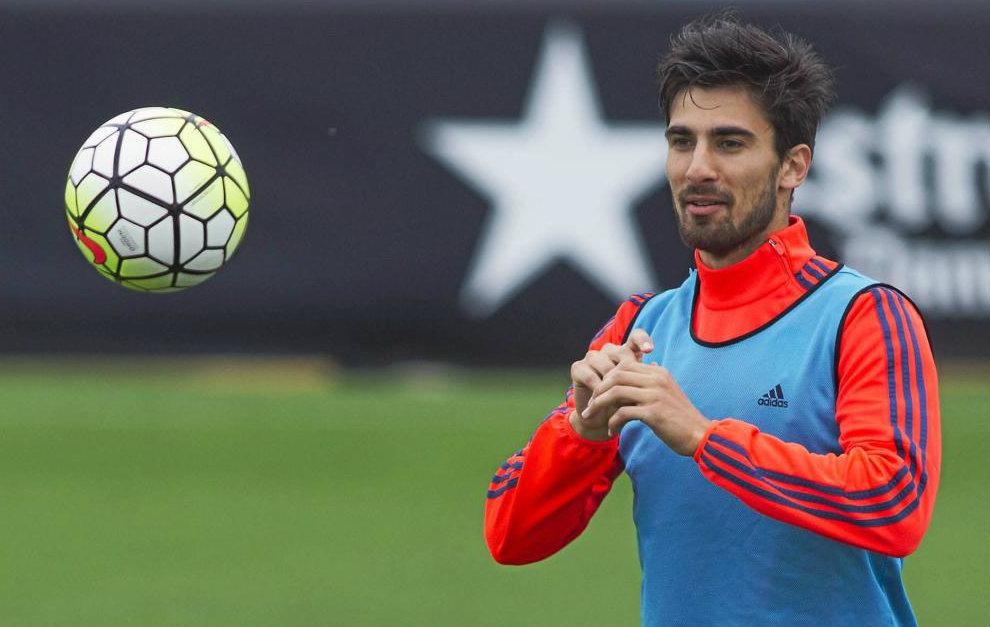 André Gomes en un entrenamiento con el Valencia.