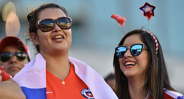 Los chilenos golearon en la grada del Lincoln Financial Field...